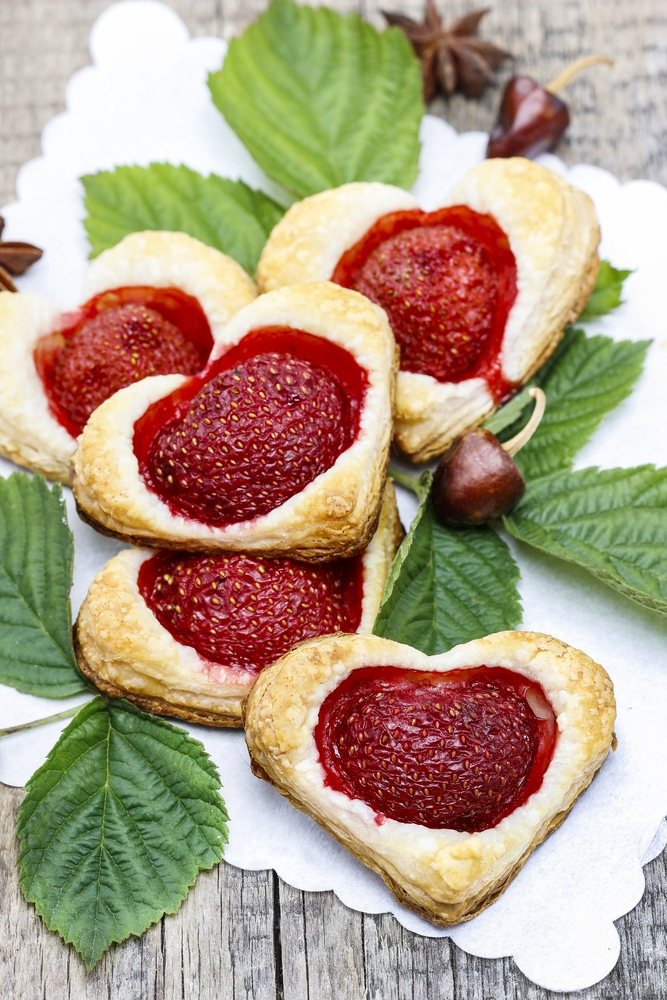simple and super easy baby shower food ideas, dessert inspirations - Puff pastry cookies filled with fresh strawberries