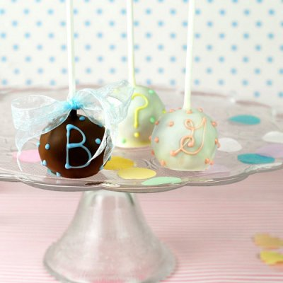 mini-personalized-baby-brownie-favor-pops-400