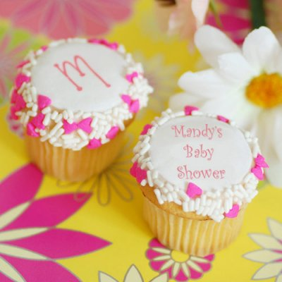 personalized-mini-baby-shower-cupcakes-400