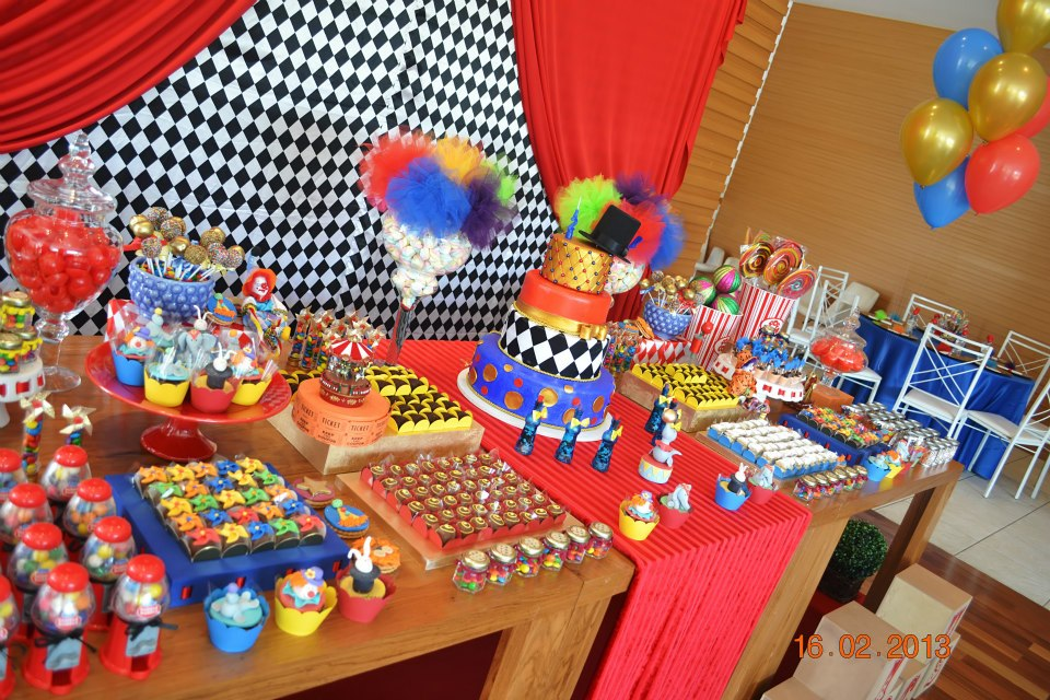Baby shower ideas circus carnival theme party - Carnival theme party supplies ...