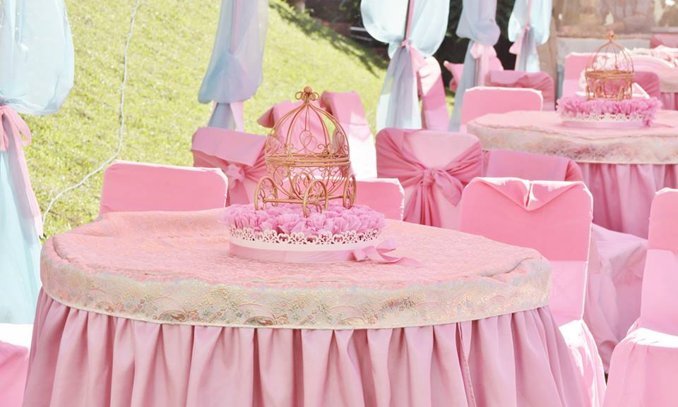 vintage princess party chandelier pink table setting ... : princess table setting - Pezcame.Com