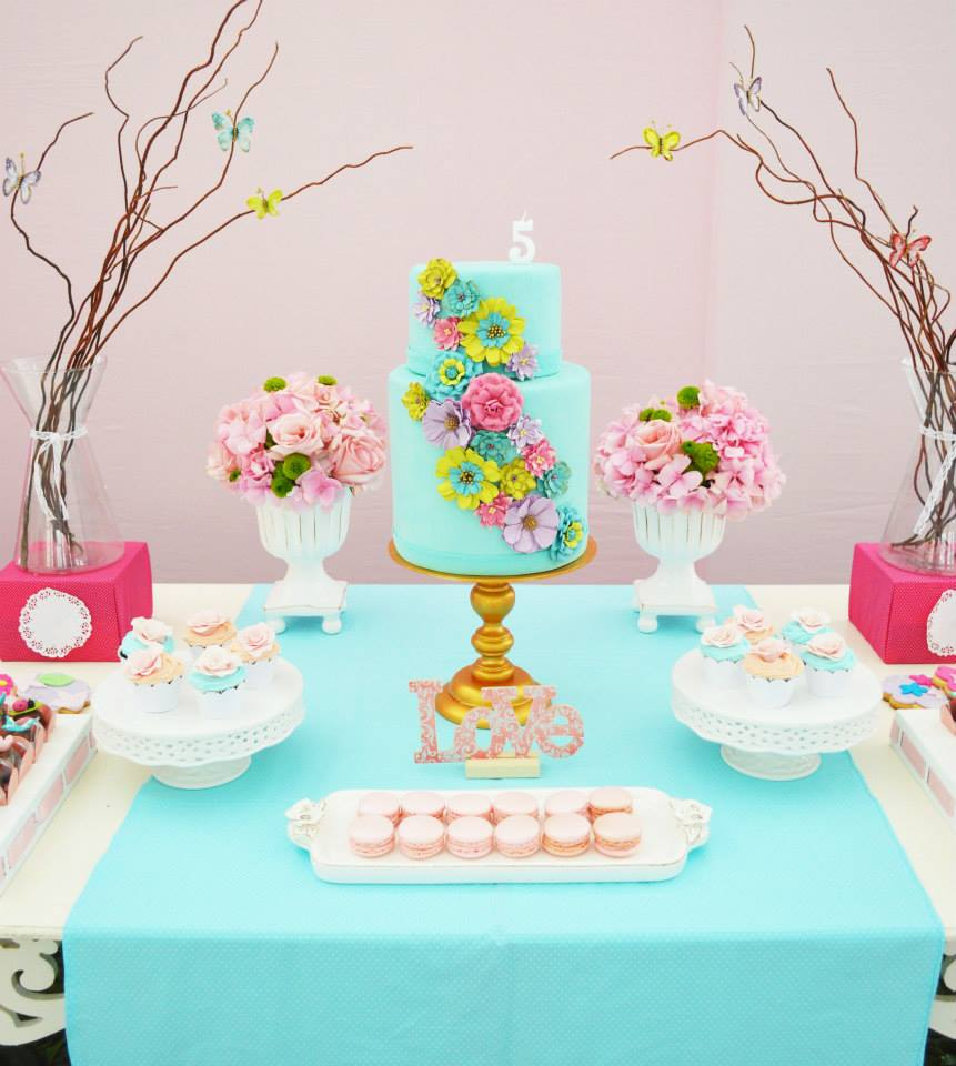 Garden baby shower decor -