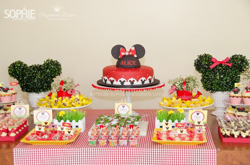 minnie mouse baby shower baby shower ideas and shops. Black Bedroom Furniture Sets. Home Design Ideas