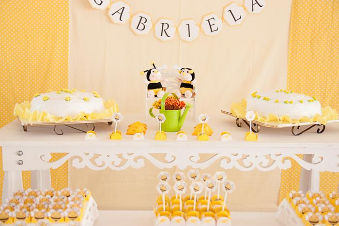 Honey Bee Baby Shower by Daniele of Casinha Da Manu