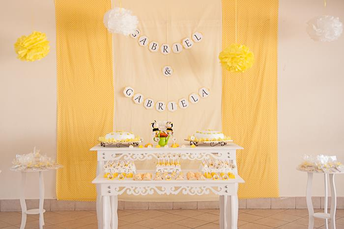 Bee Baby Shower Ideas Napkin Diapers Dessert Table