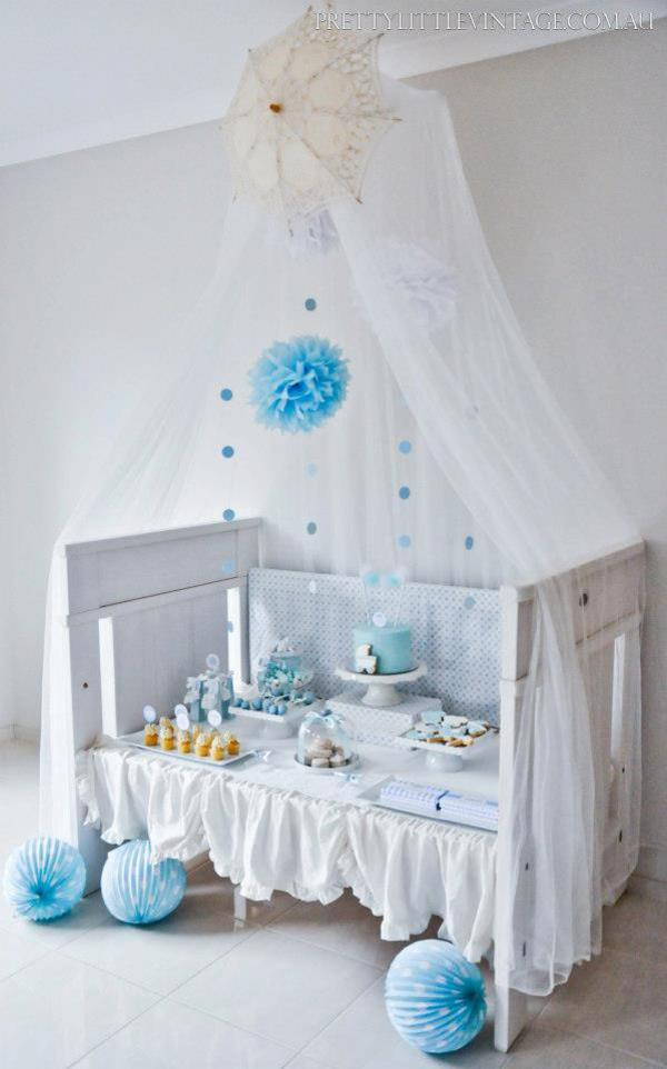 Shower baby shower theme baby shower ideas themes games for Baby cot decoration images