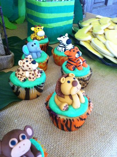 how to make jungle themed cupcakes