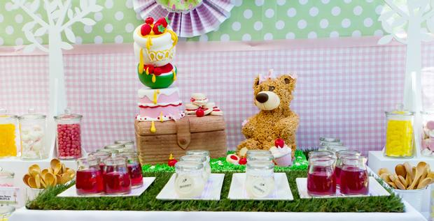 Teddy Bears Picnic Party Table Setting, Cute Sign, Amazing Dessert Table,  Teddy Cake