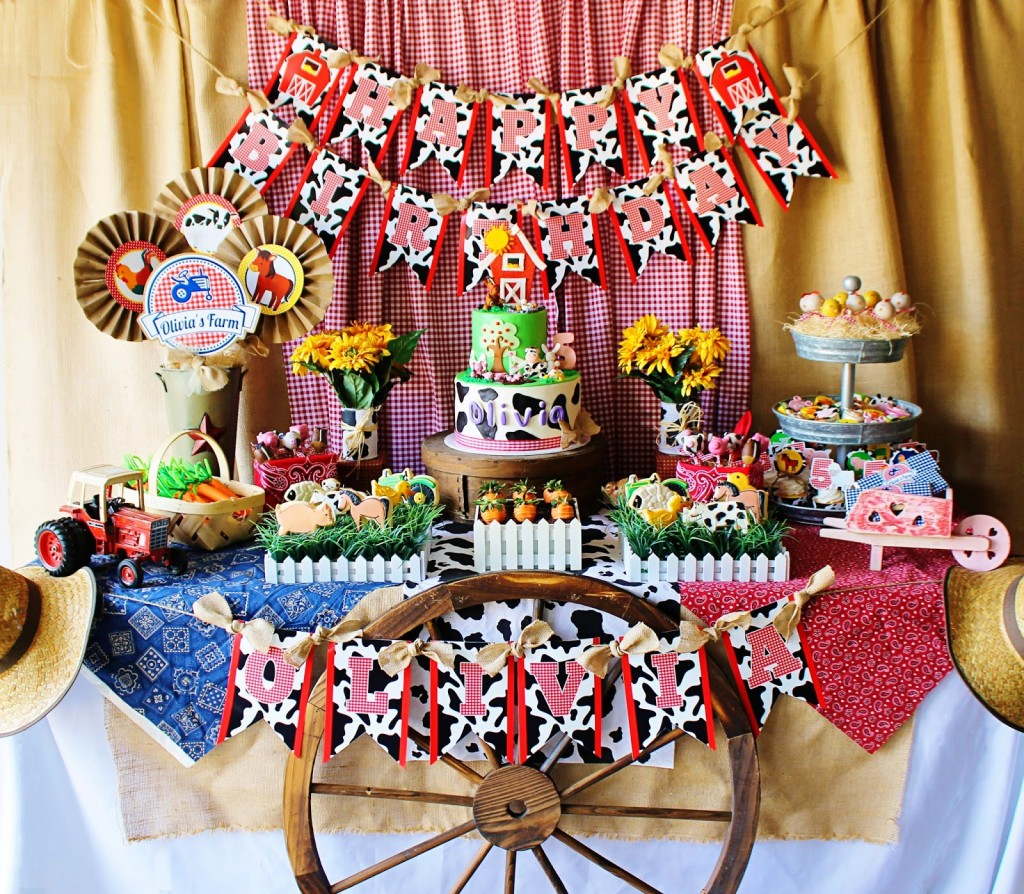 Baby shower ideas cute farm party for Animal party decoration