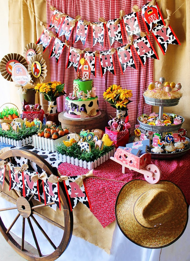 Cute farm party baby shower ideas themes games for Animal party decoration ideas