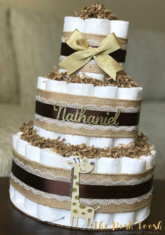 gender-neutral-giraffe-diaper-cake