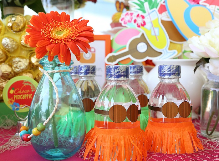 Baby Shower Favors Hawaii hawaiian luau baby shower theme drink bottle decors - baby shower