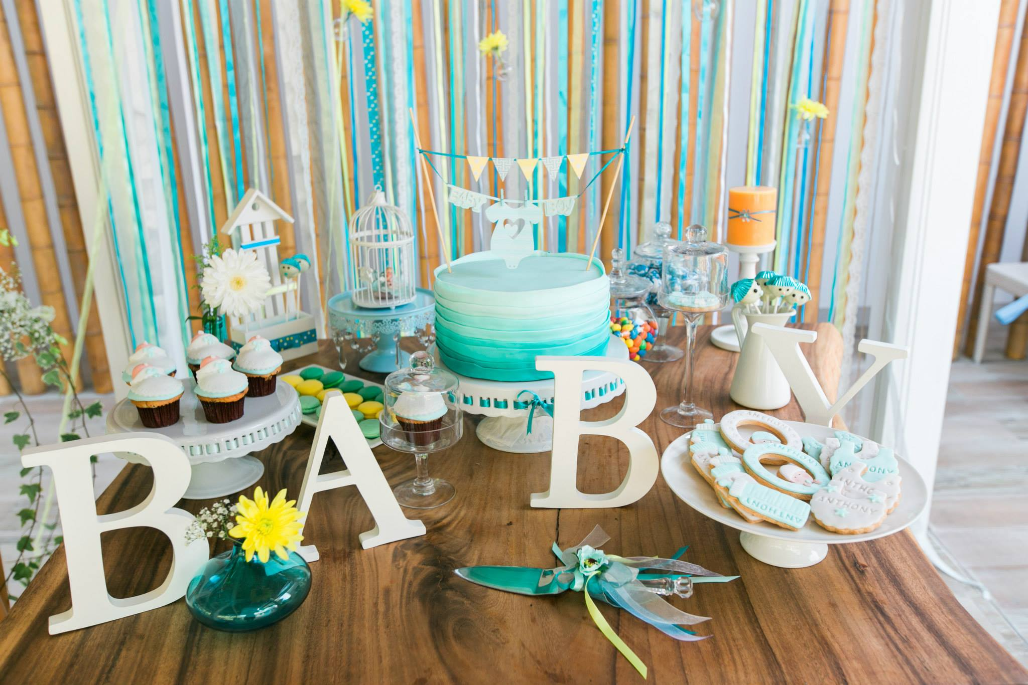 Turquoise gorgeous baby boy shower main table decorations for Baby boy baby shower decoration ideas