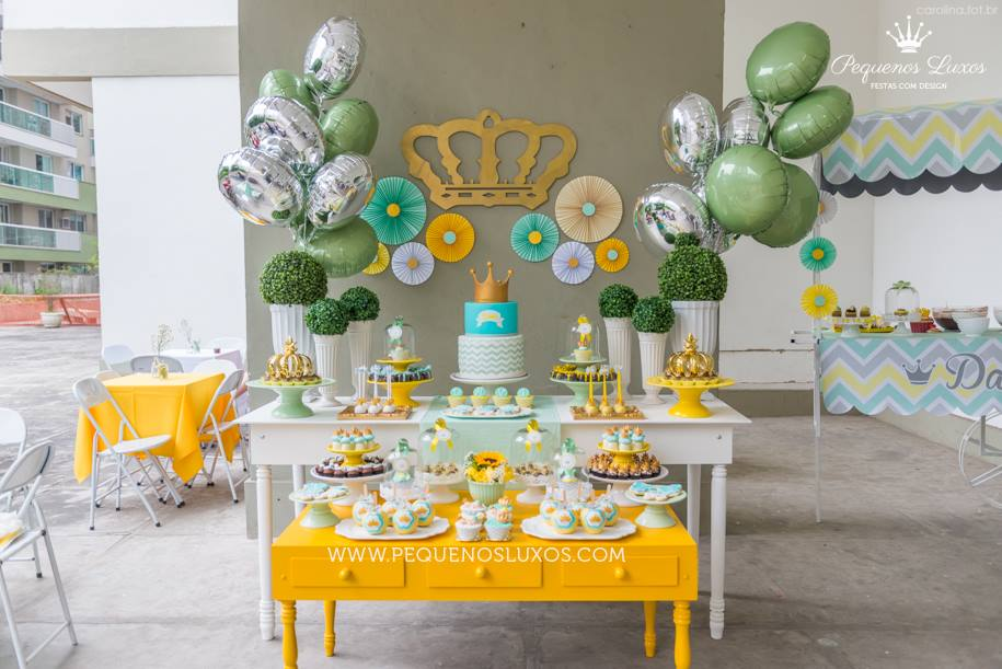 Little prince crown baby shower dessert table inspirations for A new little prince baby shower decoration kit