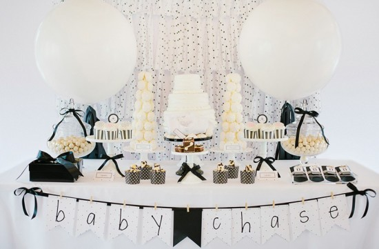 Modern black and white baby shower baby shower ideas for Baby shower modern decoration