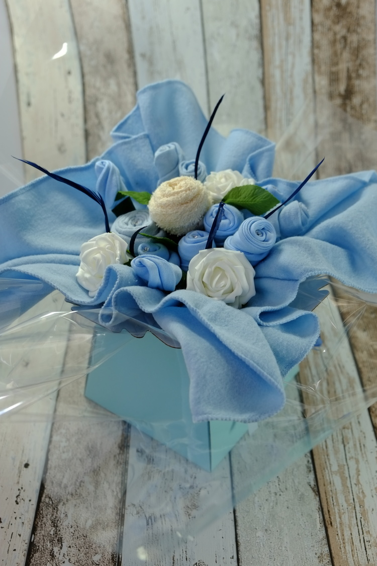 Gift Ideas Baby Clothes Bouquet Baby Shower Ideas