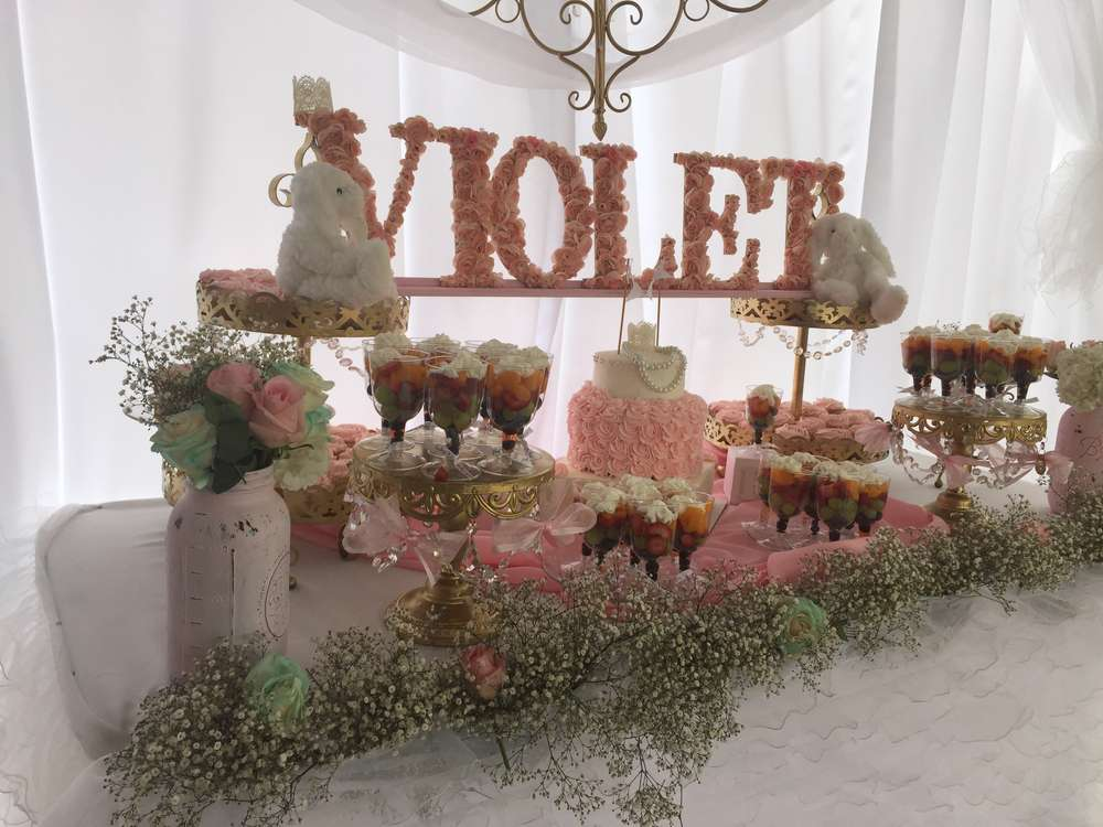 Elegant shabby chic baby shower baby shower ideas Elegant baby shower decorations