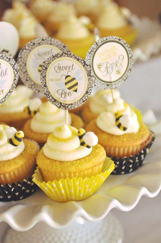 what-will-it-bee-baby-shower-cupcakes