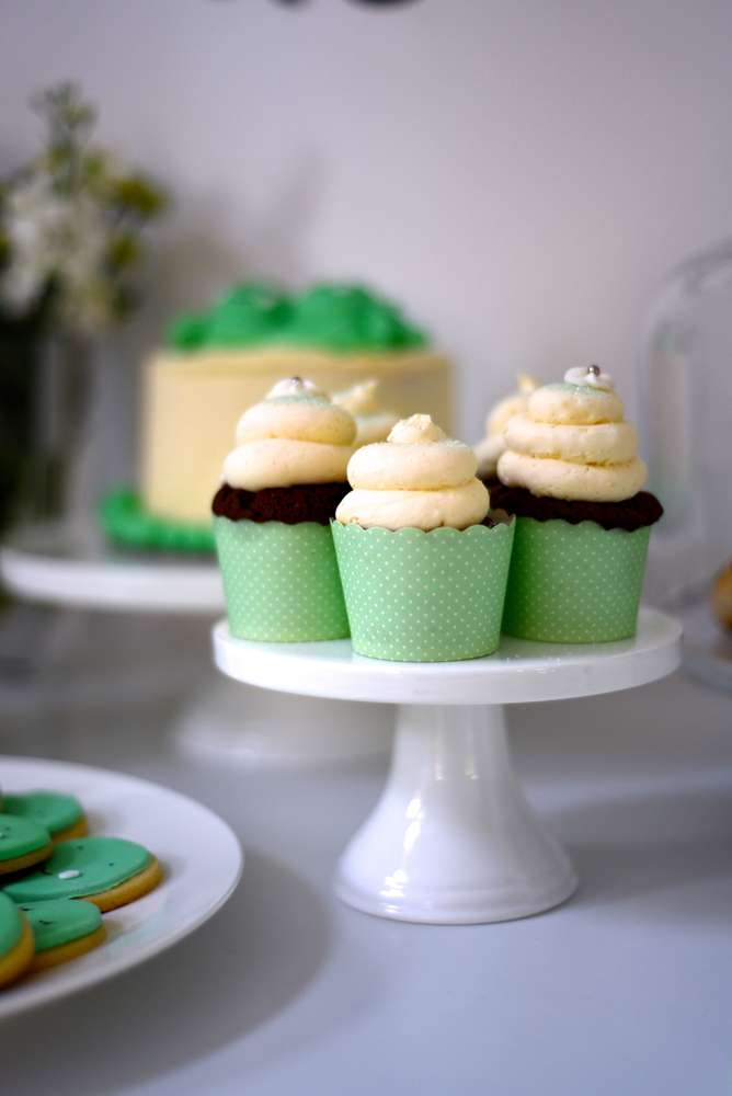 Two Peas In A Pod Baby Shower Baby Shower Ideas Themes