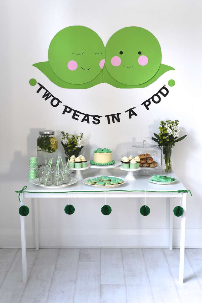 Two peas in a pod baby shower baby shower ideas themes for Baby shower decoration twins