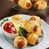 baby-shower-simple-fingerfood-hot-dog-rolls-food-600x450