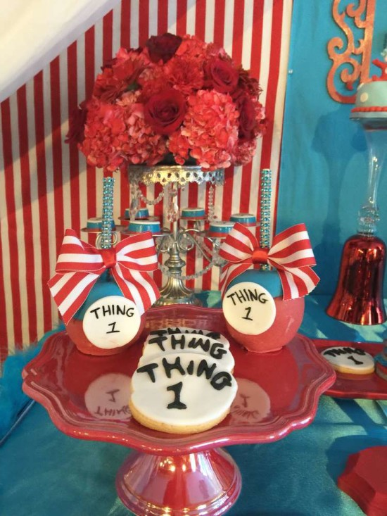 twins-thing-1-and-thing-2-baby-shower-cookies