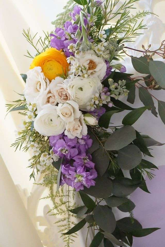 ... Elegant Yellow And Purple Baby Shower Flowers ...