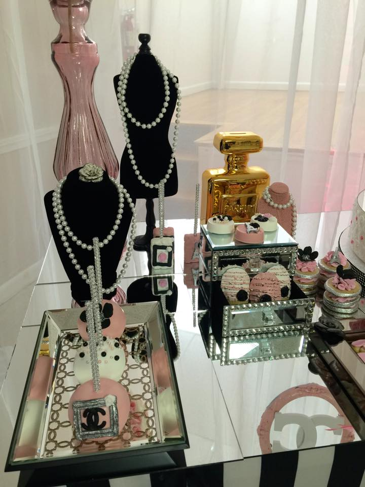 modern chic chanel baby shower baby shower ideas themes games. Black Bedroom Furniture Sets. Home Design Ideas