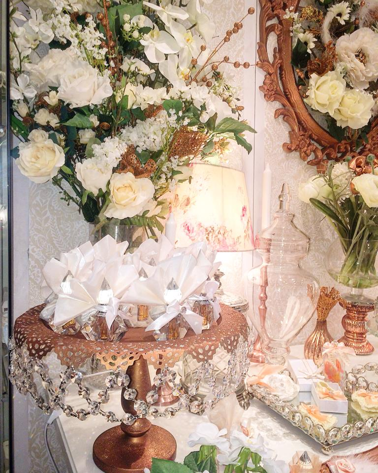 Floral copper baby shower baby shower ideas themes games for Baby shower flower decoration