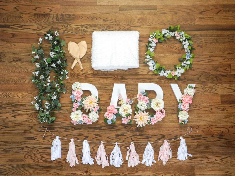 A baby is brewing tea party shower baby shower ideas for Baby shower flower decoration ideas