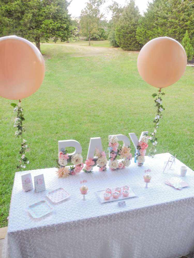 A baby is brewing tea party shower baby shower ideas for Dekoration fur babyparty