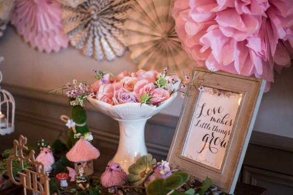 Charming garden baby shower baby shower ideas themes for Baby shower decoration butterfly