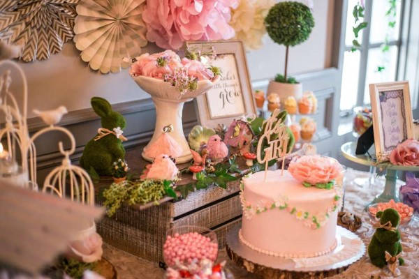 Charming garden baby shower baby shower ideas themes for Dekoration fur babyparty
