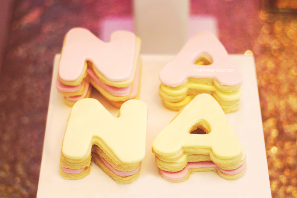 glamorous-unicorn-baby-shower-letter-cookies