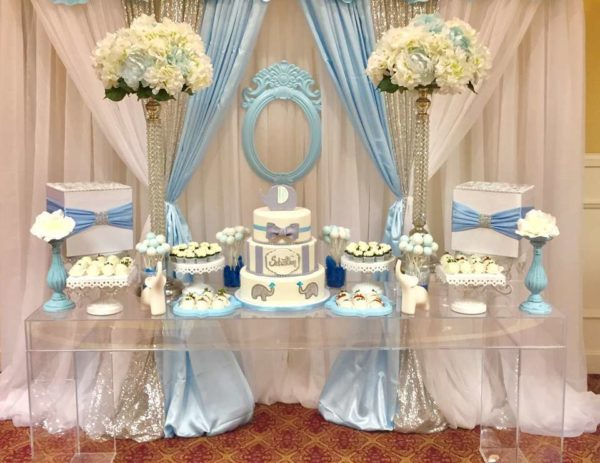 blue-and-white-elephant-themed-baby-shower-layered-cake