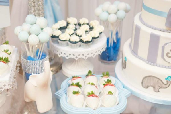 blue-and-white-elephant-themed-baby-shower-strawberries