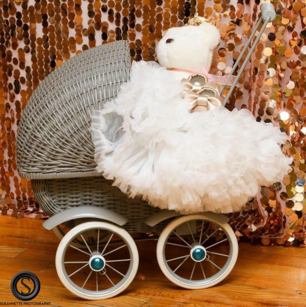 glamourous-baby-love-shower-carriage