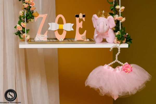 glamourous-baby-love-shower-zoo-sign