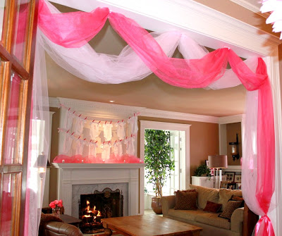 cozy-pink-baby-shower-soiree-doorway-decor