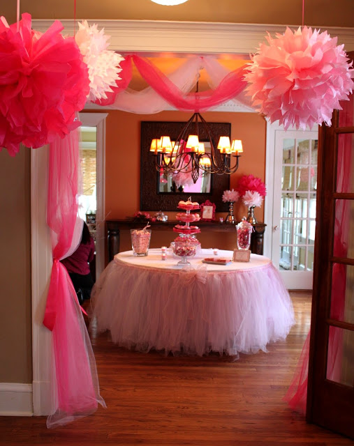 cozy-pink-baby-shower-soiree-treat-table