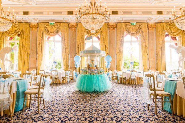 golden-carousel-babyshower-dessert-table