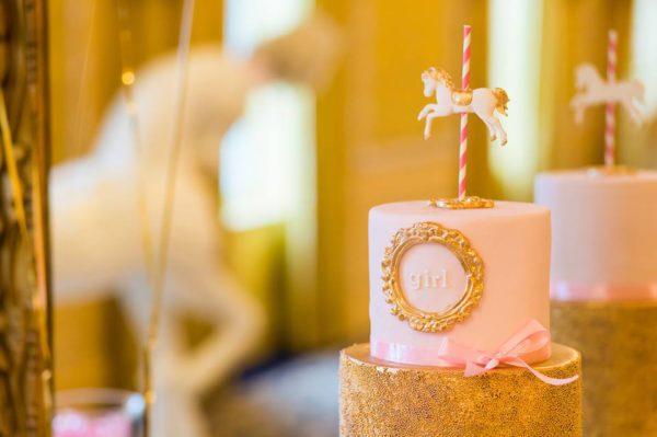 golden-carrousel-babyshower-cake-horse-gold