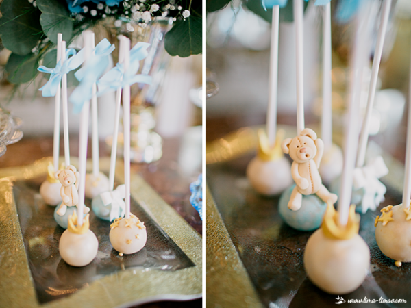 golden-royal-prince-baby-shower-cakepops