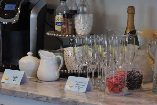 shimmering-twinkle-twinkle-baby-shower-champagne-glasses