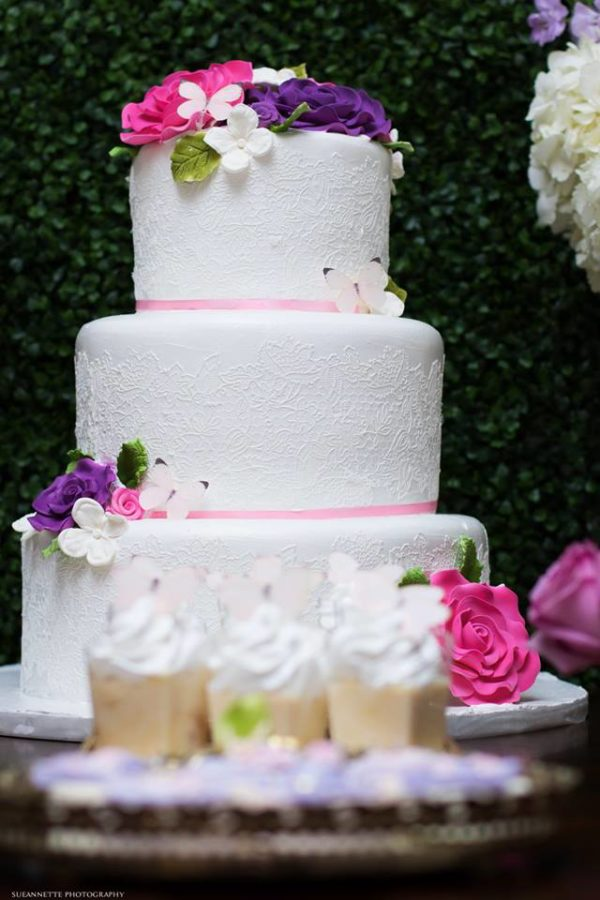 chic-floral-garden-baby-shower-cake
