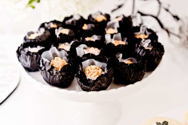 sophisticated-swan-lake-baby-shower-treats
