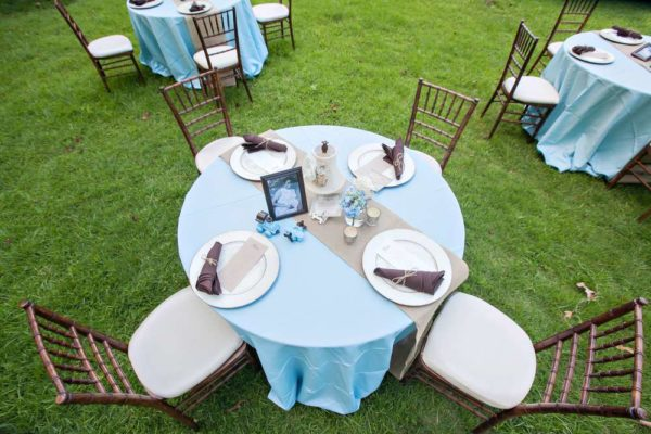 whimsical-bottles-and-burlap-baby-shower-round-table