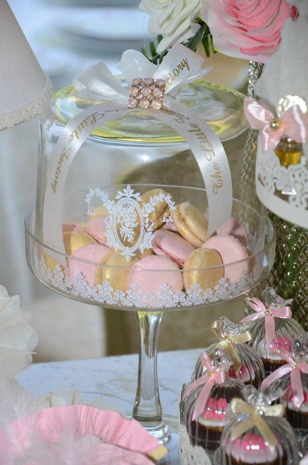 whimsical-spring-swing-celebration-macarons
