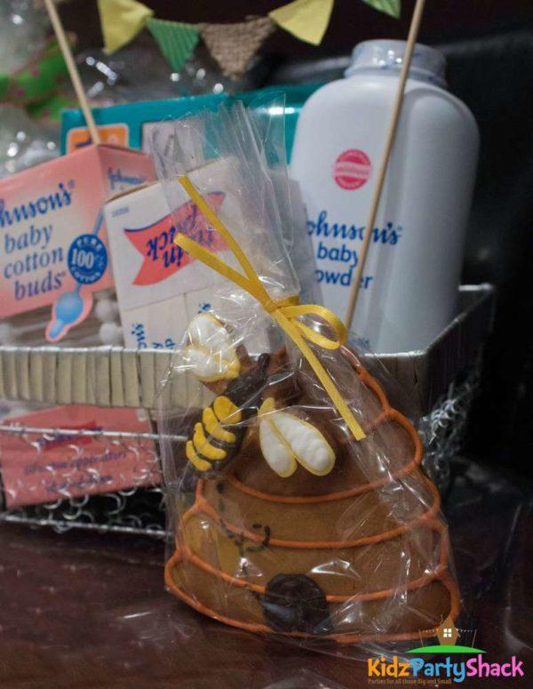 backyard-bumblebee-baby-shower-honey-comb-cookie