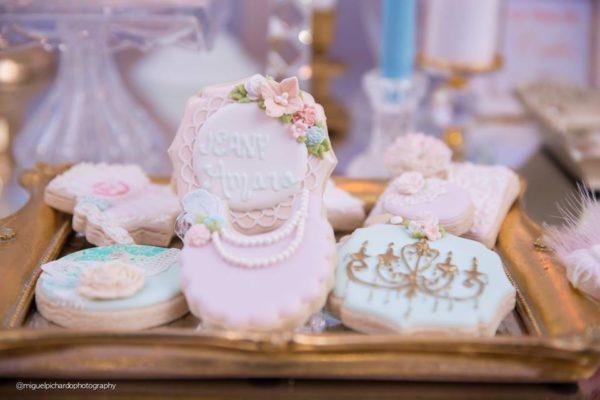 elegant-marie-antoinette-baby-shower-cookies